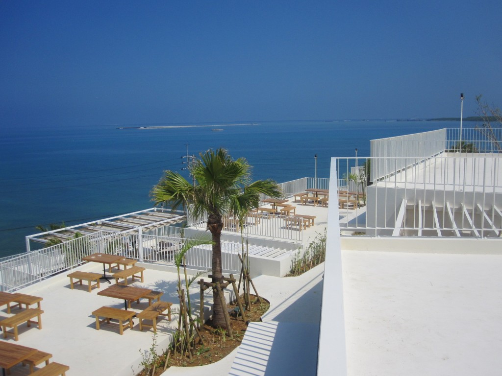 ウミカジテラス上階からの海の眺め