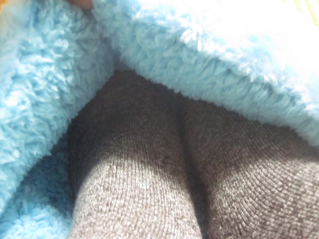 足の布団と名付けたほど足が温まる暖房具