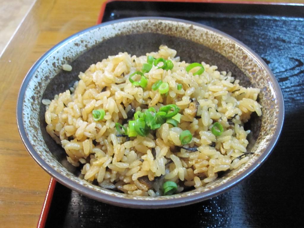 琉球・沖縄伝統料理の家庭の味ジューシー