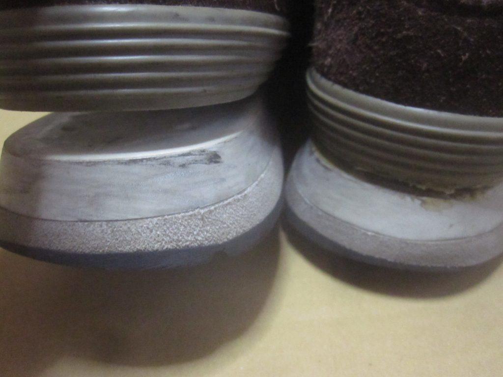 New Balance(ニューバランス)574の靴底ソールが剥がれている写真