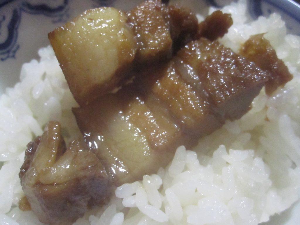 熱々の白い御飯に乗せて食べるのも超絶美味い!