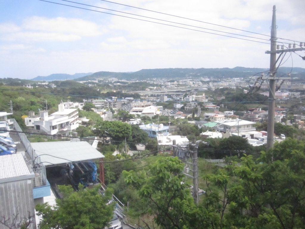 南風原町の高台から見下ろす風景・光景が絶景!