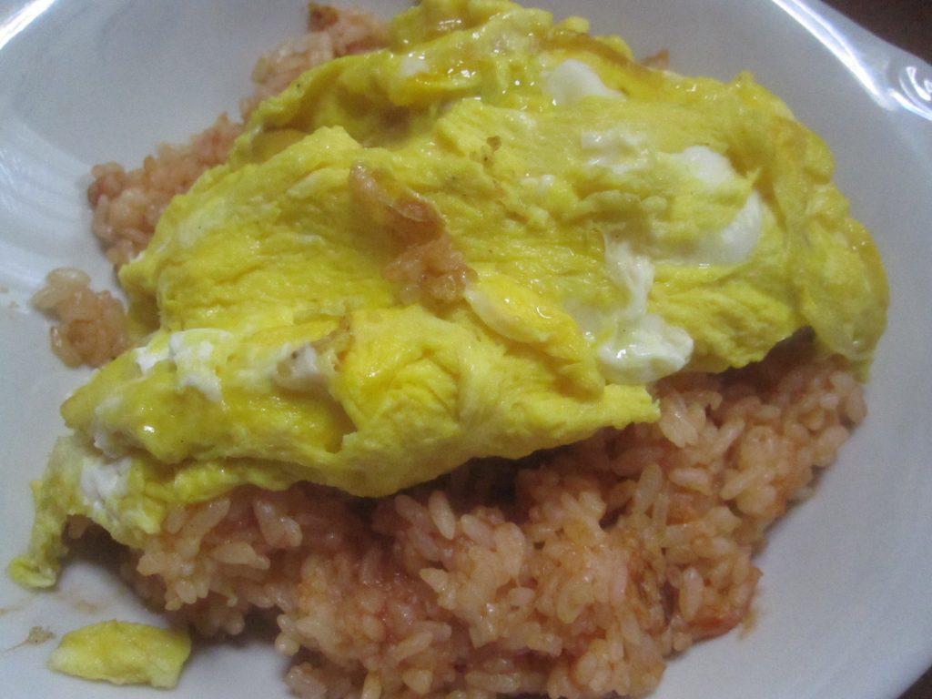 我が家ルールで、ゆし豆腐を食べる時はなぜかオムライスが作られる