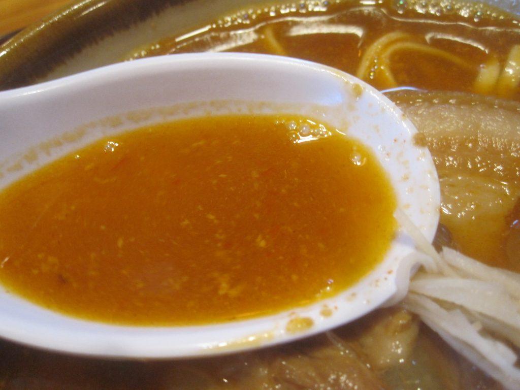 辛いものが苦手な人にもオススメできるまろやかな旨辛肉味噌スープに仕上がっている!