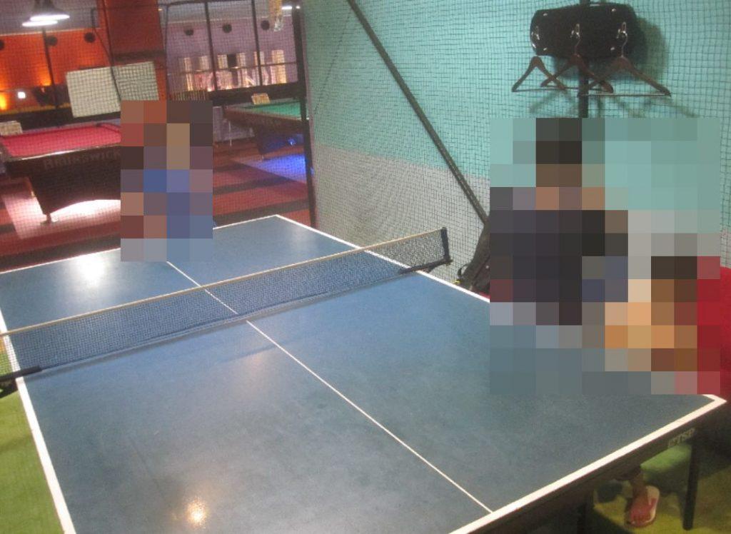 卓球台の周囲のスペースが狭くて動きづらかったのはマイナスポイント
