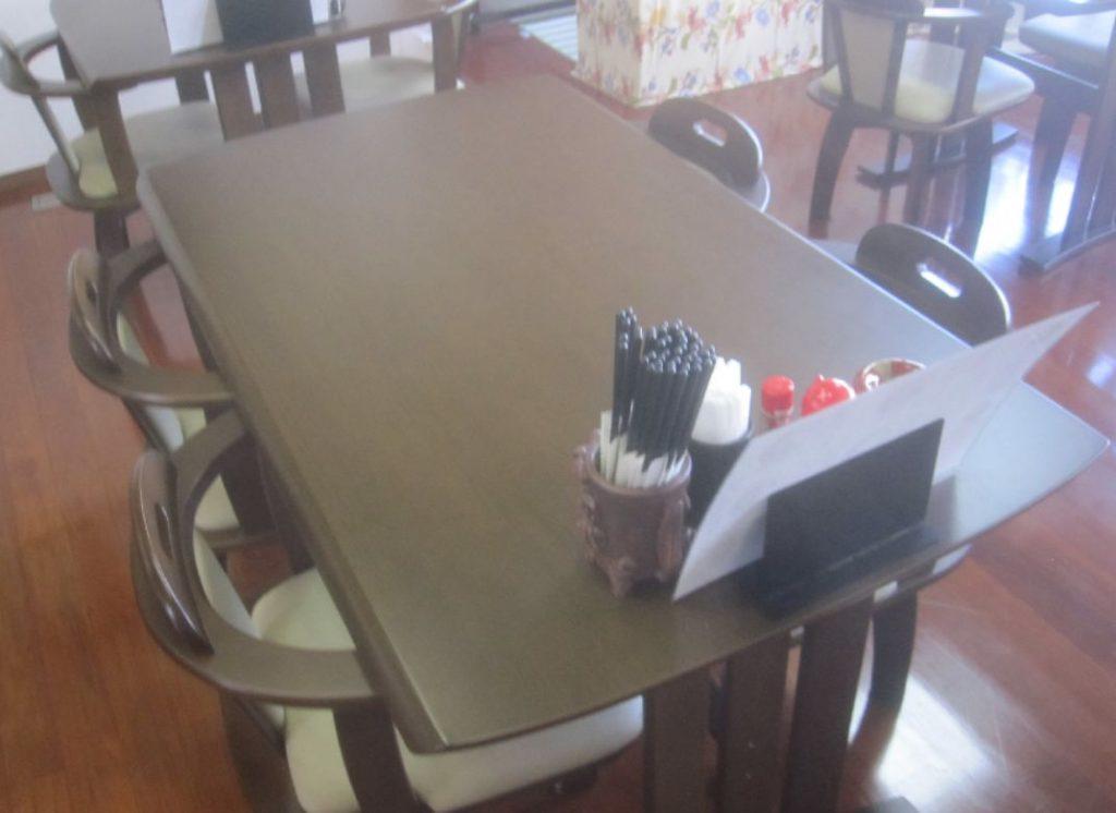 座り心地の良い椅子とテーブル