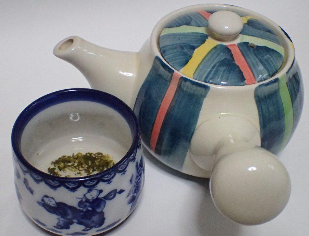 自分専用の急須と湯のみ茶碗のセット