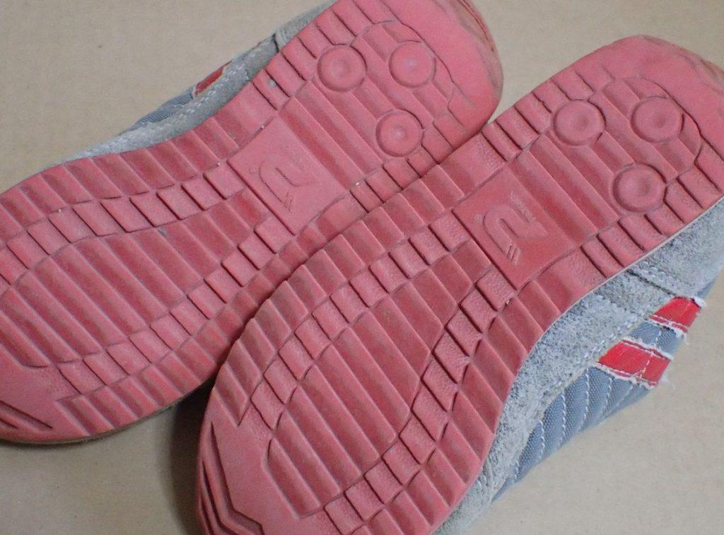 靴底の溝はそれほど磨り減ってはいない