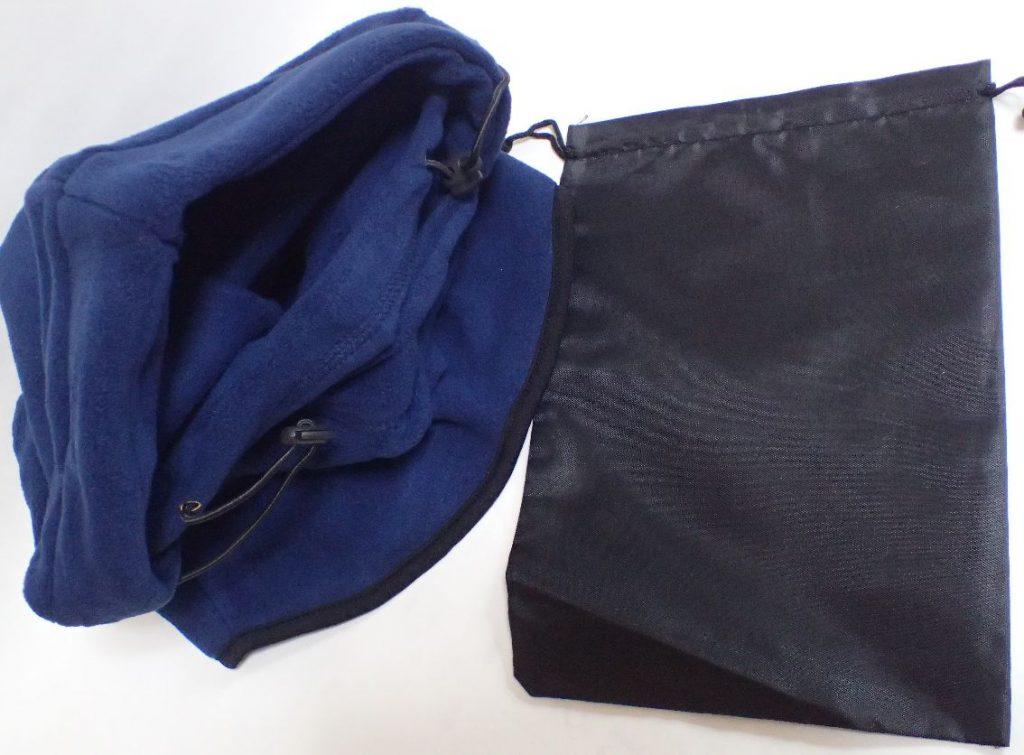 ネックウォーマー専用の収納袋もセットで入っていた