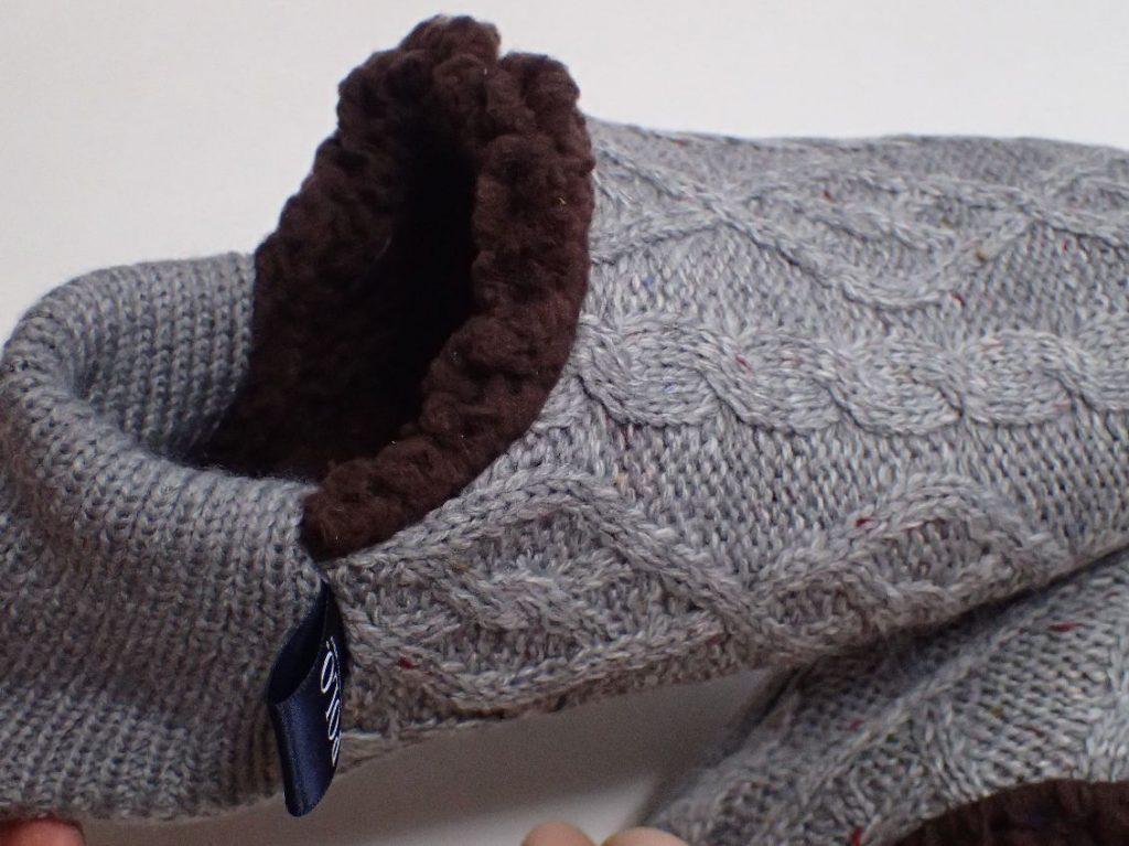 外観はセーター、中はモコモコ生地で暖かそう