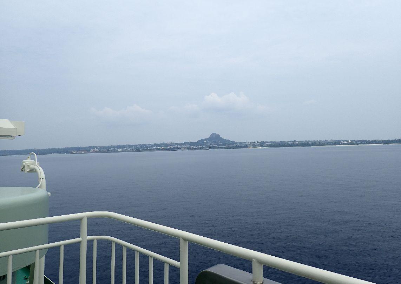 標高172メートルの城山(ぐすくやま)、通称「伊江島タッチュー」が近付いてきた