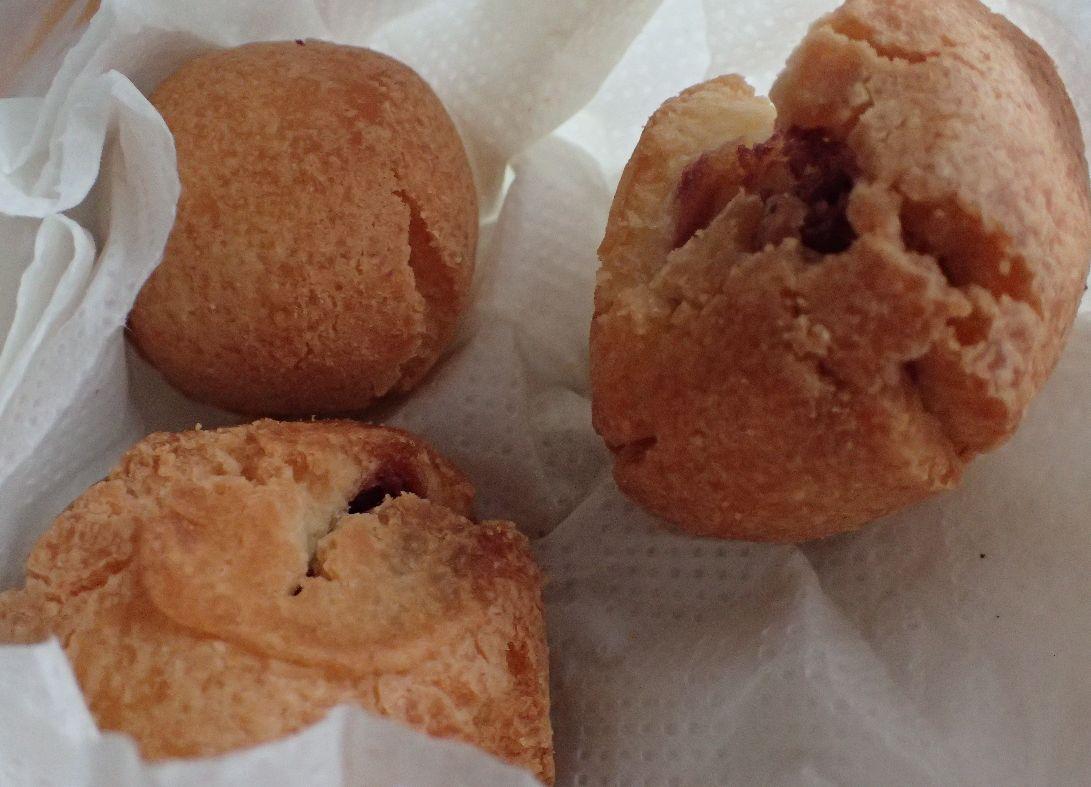 沖縄伝統菓子、サーターアンダギー