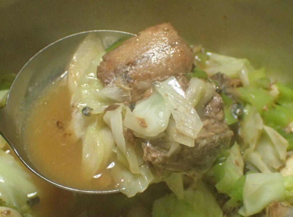 サバ缶の野菜ニンニク煮込み鍋が完成
