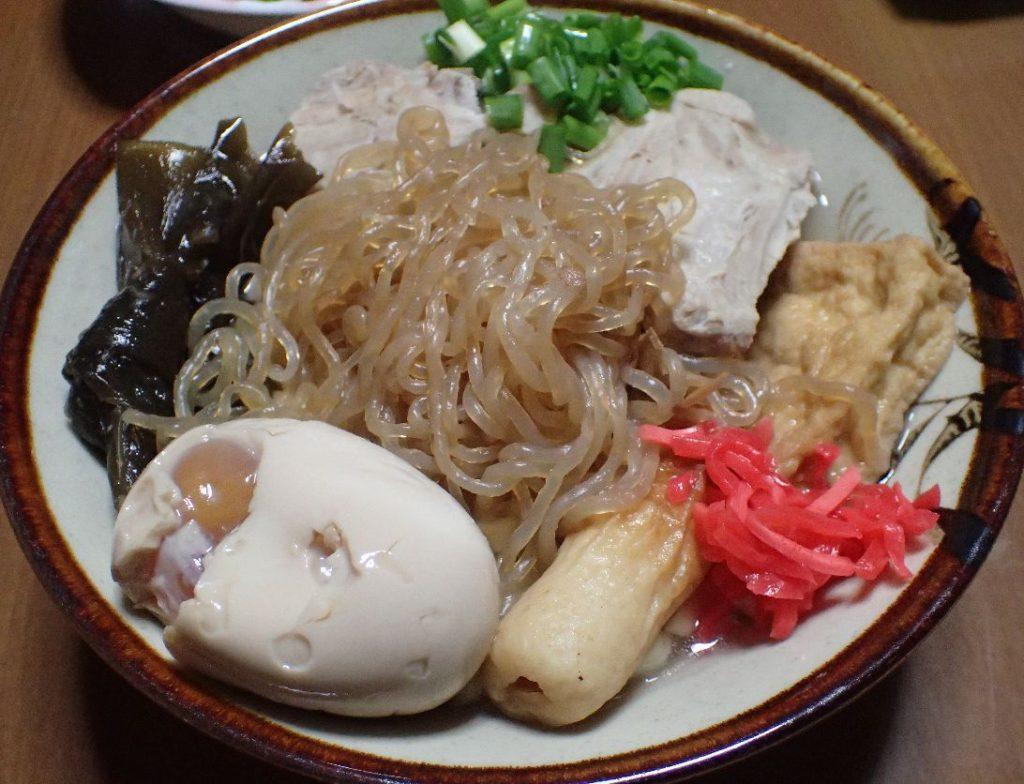 """""""おでん""""と""""沖縄そば""""の組み合わせ"""